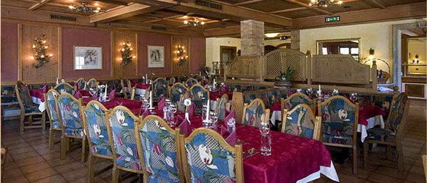 Hotel Alte Post, Ellmau, Austria - Dining room.jpg